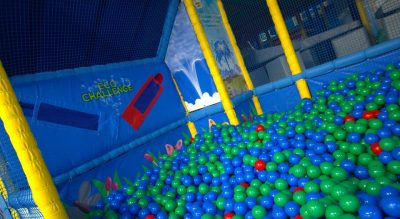 Bubbles World of Play - ball pit
